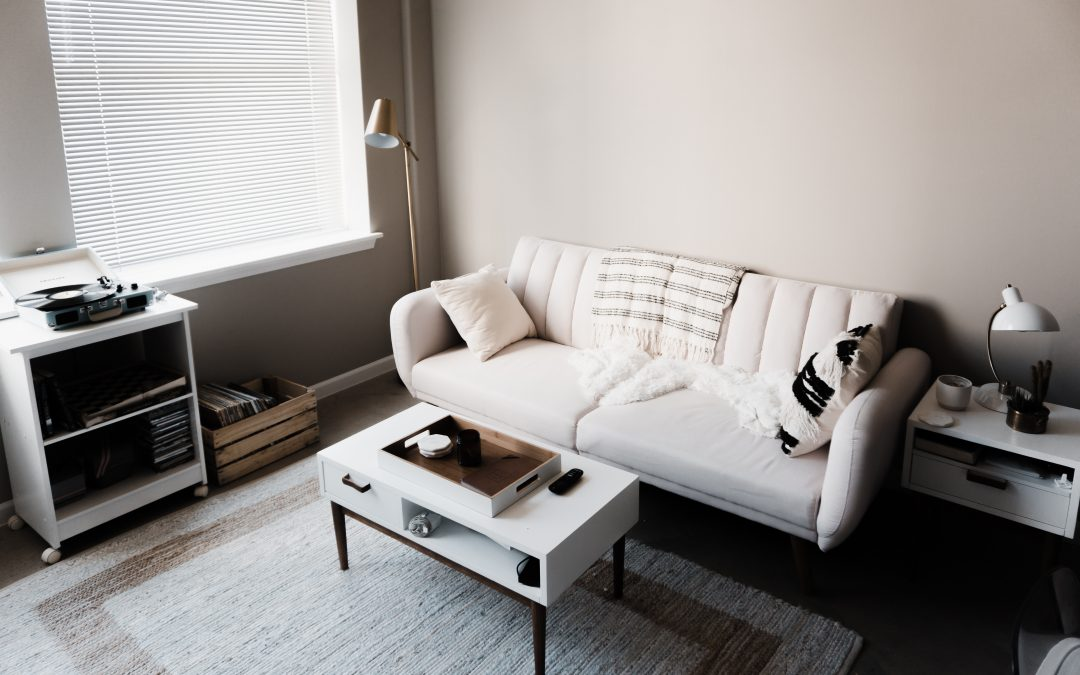 Downsizing 101: Tips to Create A More Spacious Feeling in Your Small Apartment