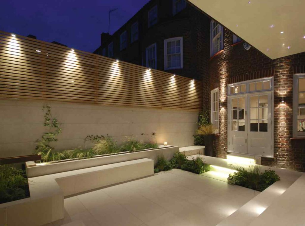 Image of modern lighting in a contemporary garden