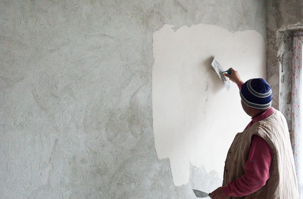 How To Plaster A Wall Step By Step And DIY Plastering Tips